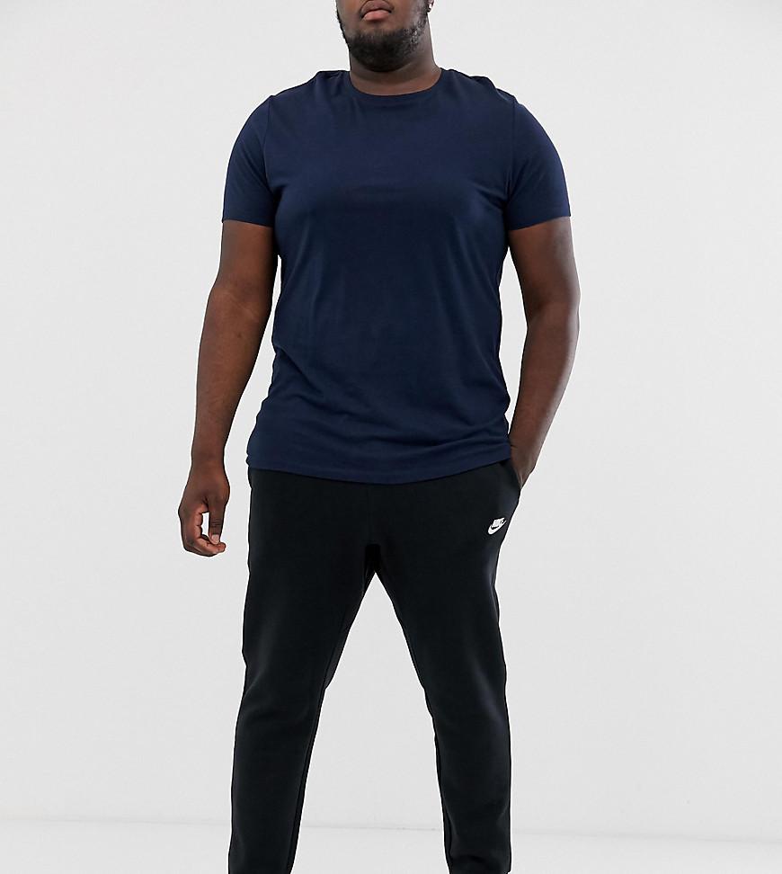 Nike Plus Club Plus Schwarze Jogginghose mit Swoosh Logo