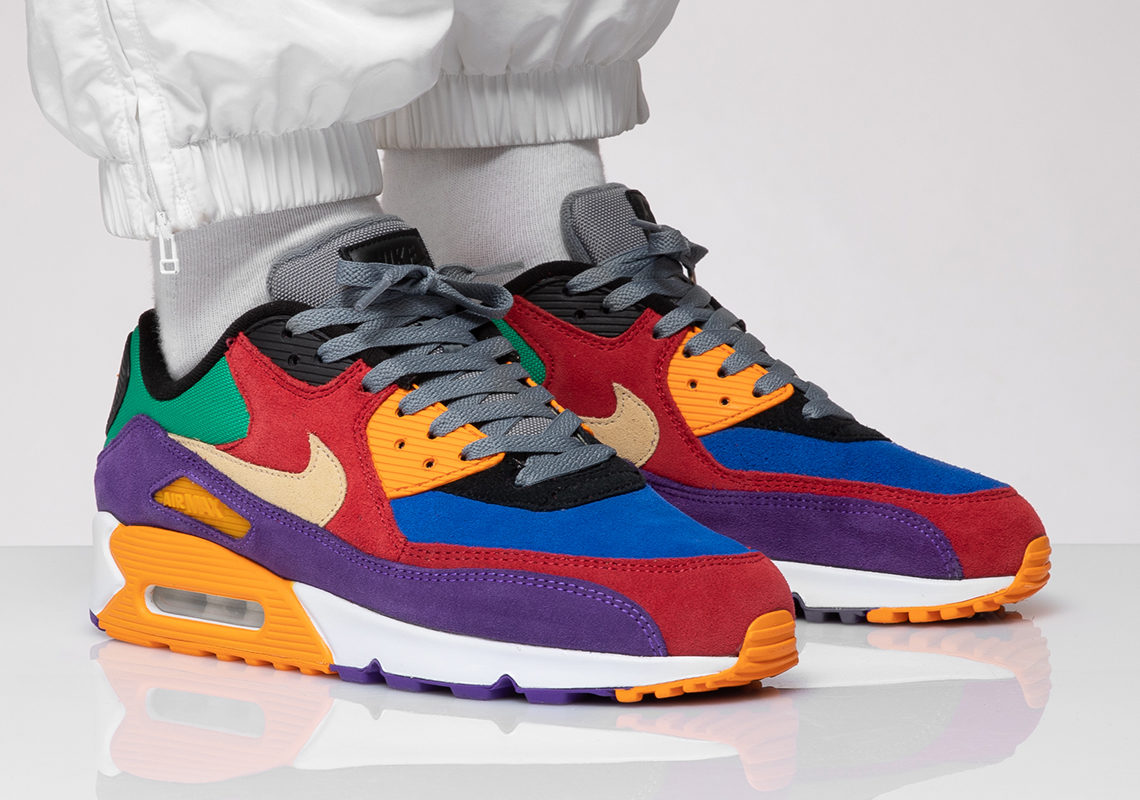 The NIKE AIR MAX 90 PREMIUM VINYL are scheduled for release