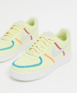 Nike - Air Force 1 '07 - Sneaker in Gelb-Weiß