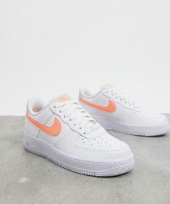 Nike - Air Force 1 '07 - Sneaker in Weiß, Orange und Beige