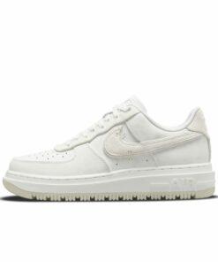 Nike Air Force 1 Luxe Herrenschuh - Weiß