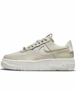 Nike Air Force 1 Pixel Damenschuh - Braun